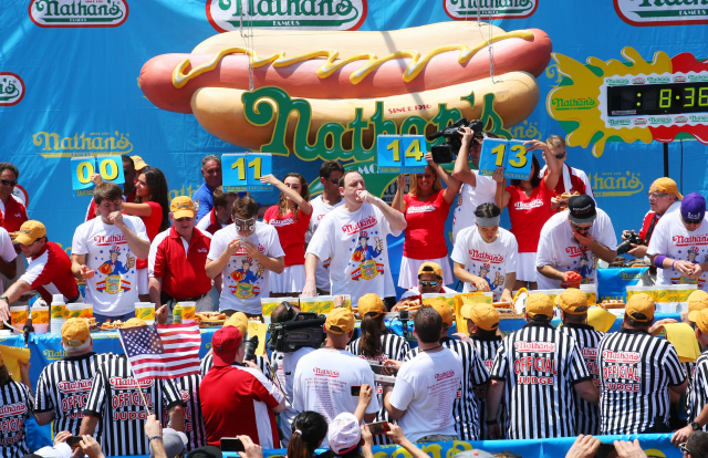 Baseball Betting Trends – 4th of July Hot Dogs